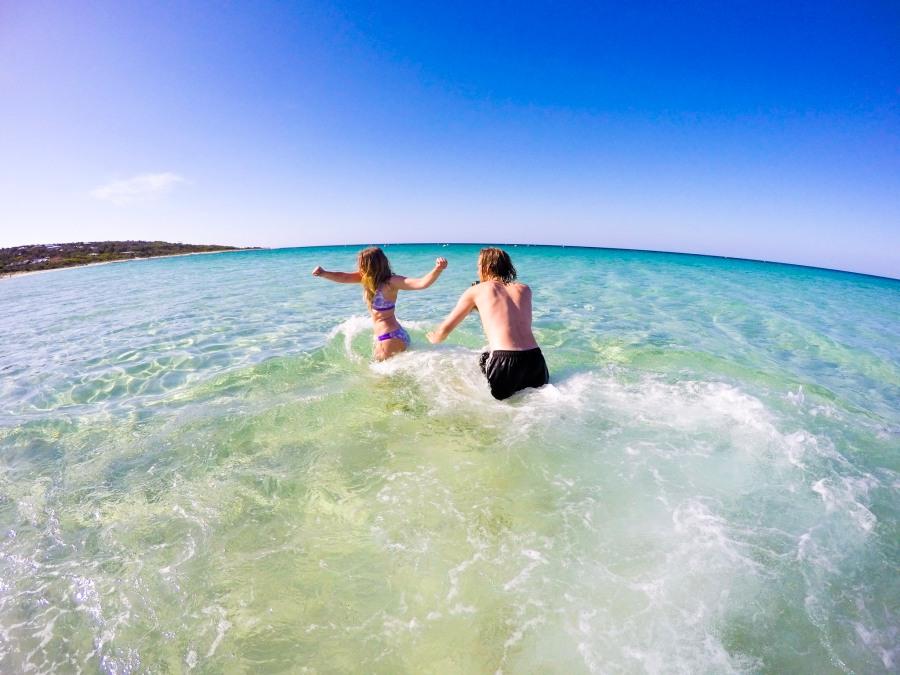 Travel Tips : CouplesVsPostTravel